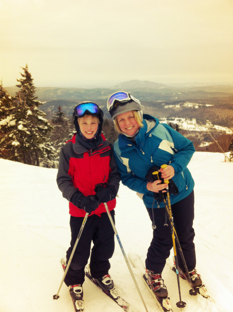 Family skiing Okemo