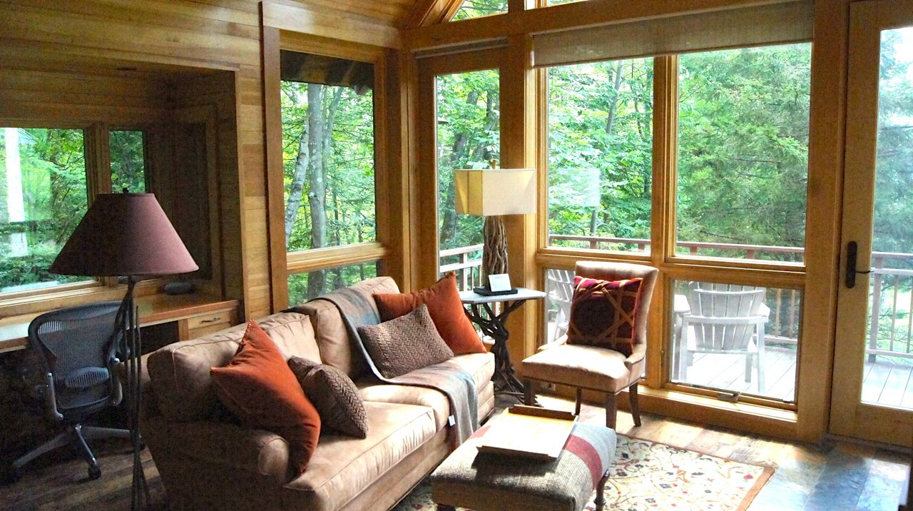 Mountain Aire Lodge Treehouse