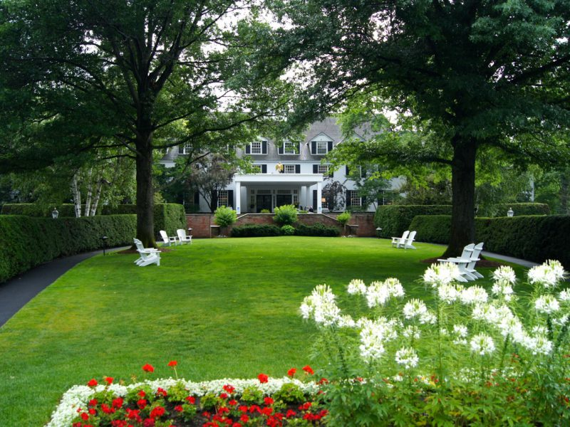 Town and Country – The Woodstock Inn and Resort