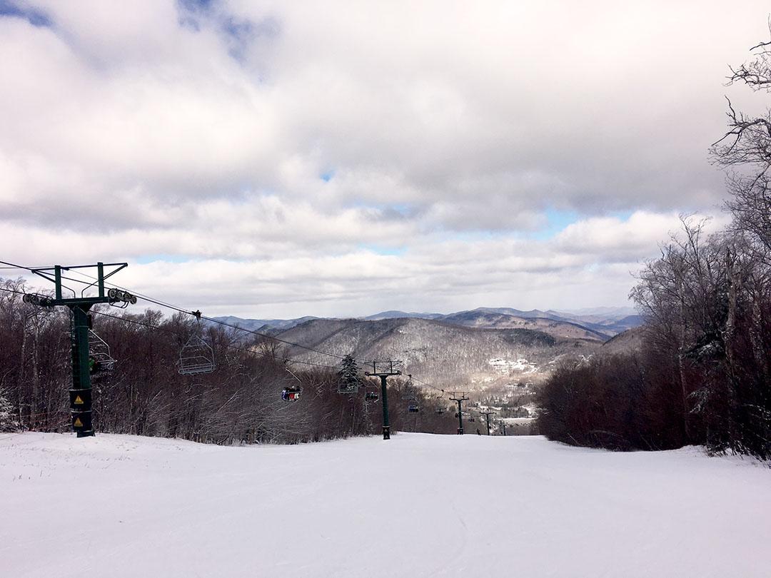 skiing-at-pico